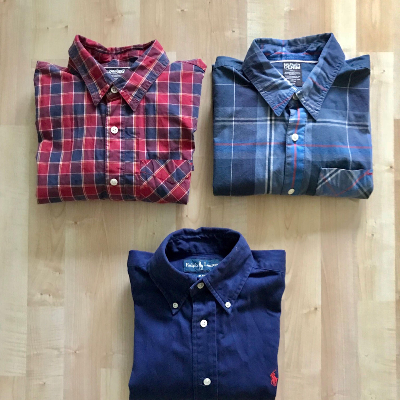 A Navy Blue Ralph Lauren shirt in good condition, seldom worn. size S  Two Hilfiger Denim shirts in good condition, seldom worn. Size S.  Selling as a package for 400kr. Skjortor.