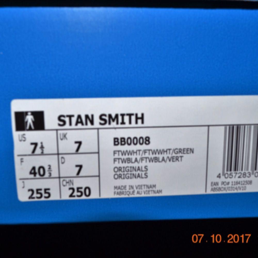 Säljer adidas stan Smith med boost sula i storlek 40, änvändna 2 gånger men är fortfarande i nyskick. Box tags och kvitto finns. Mitt pris är 600. Hör av er vid intresse. Skor.