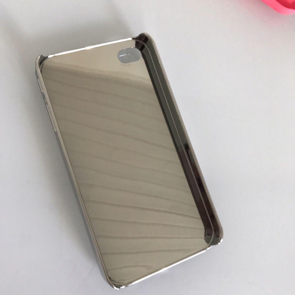 Coco Chanel för iPhone 5 i bra skick. Oanvänt. Köparen står för frakten :). Accessoarer.