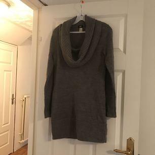 Stickad klänning/ tunika från HM.  Strl S.   Frakt 56kr