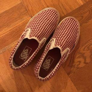 Rutiga Vans slippers - använda men fräscha.
