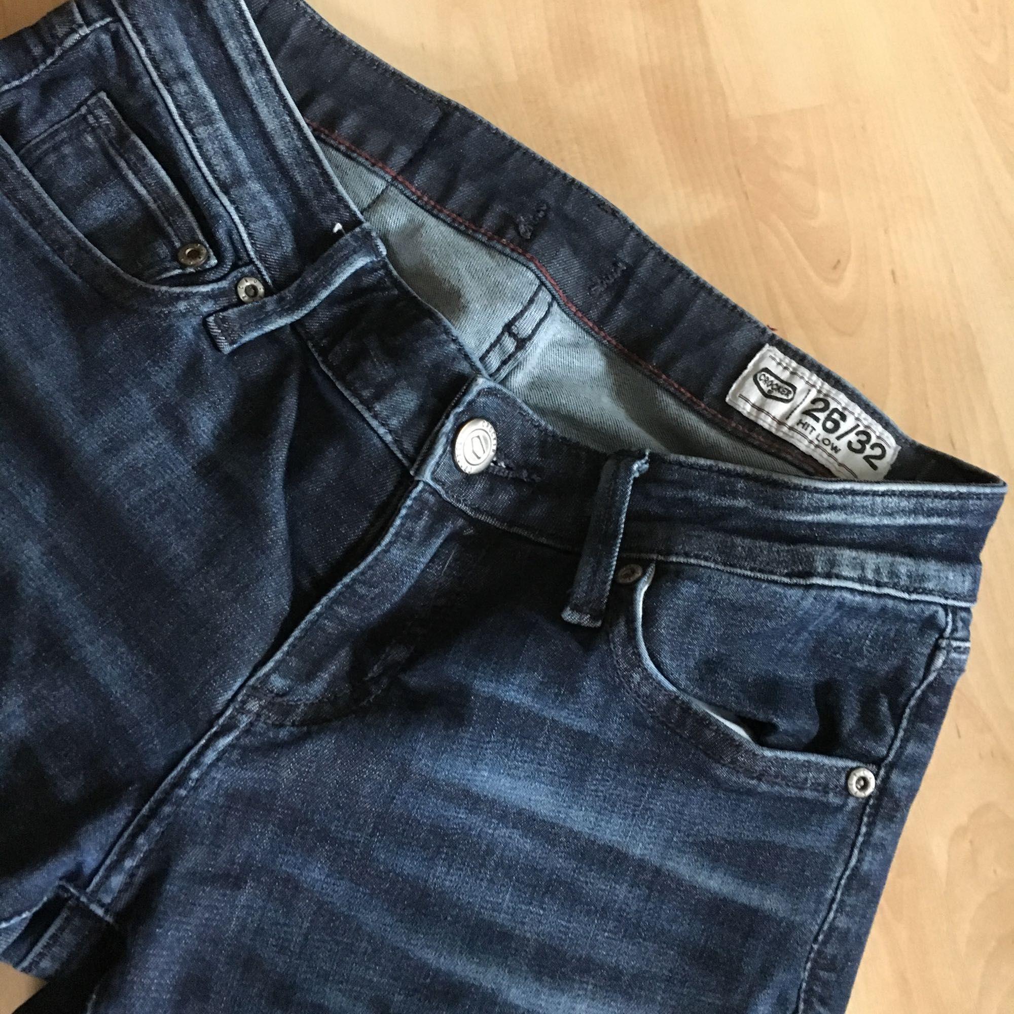 Oanvända mörkblåa Crocker jeans i modellen Hit Low