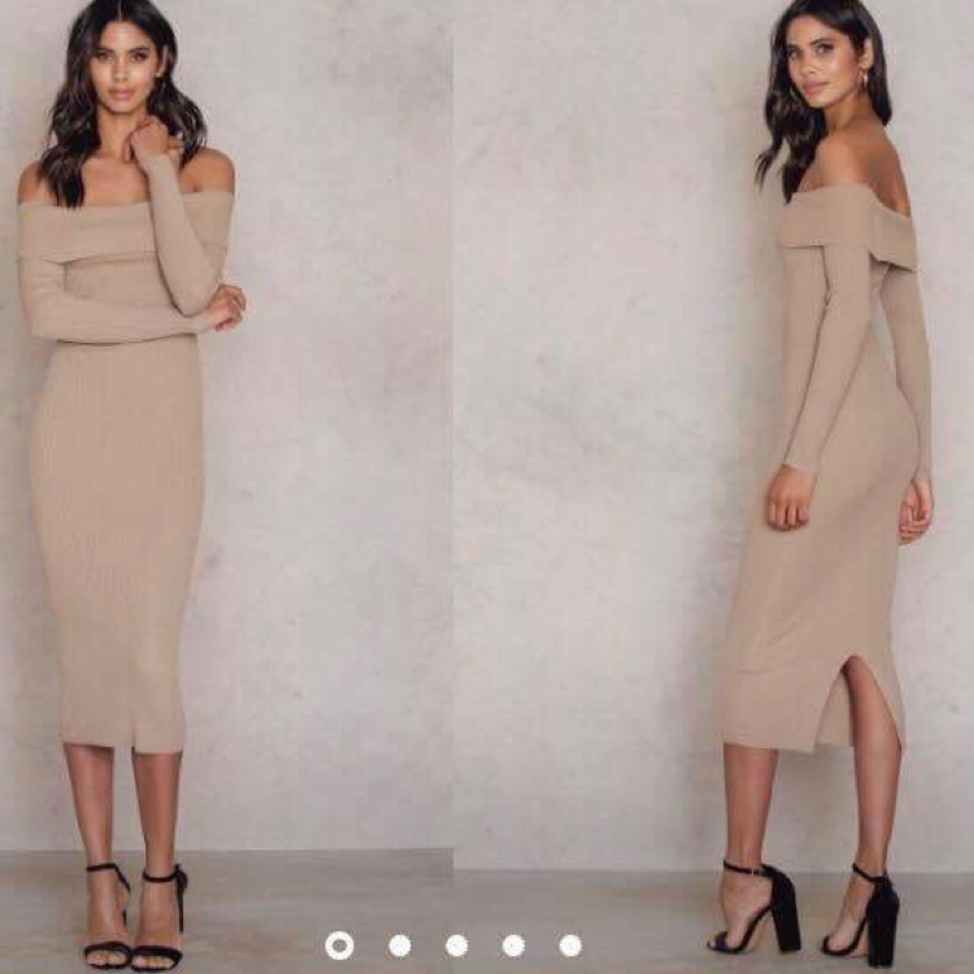 Långklänning från NA-KD. Använd en gång. Nypris 499kr.   Frakten går på 49kr. Klänningar.
