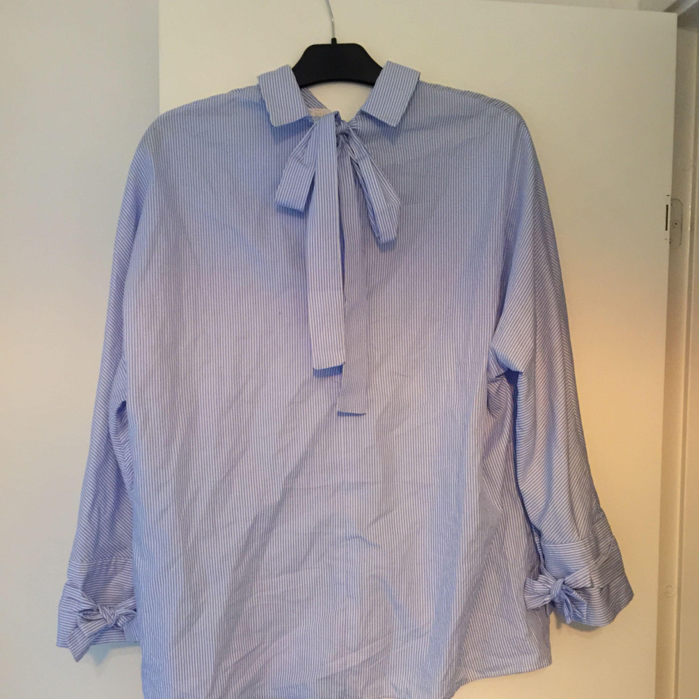 Supersnygg skjorta från Zara inköpt för några veckor sedan. Passade inte  min kroppsform då den ... 266d12c5420e5