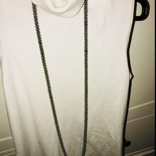 Halsband 7kr  kostar skicka
