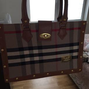 Burberry väska kopia