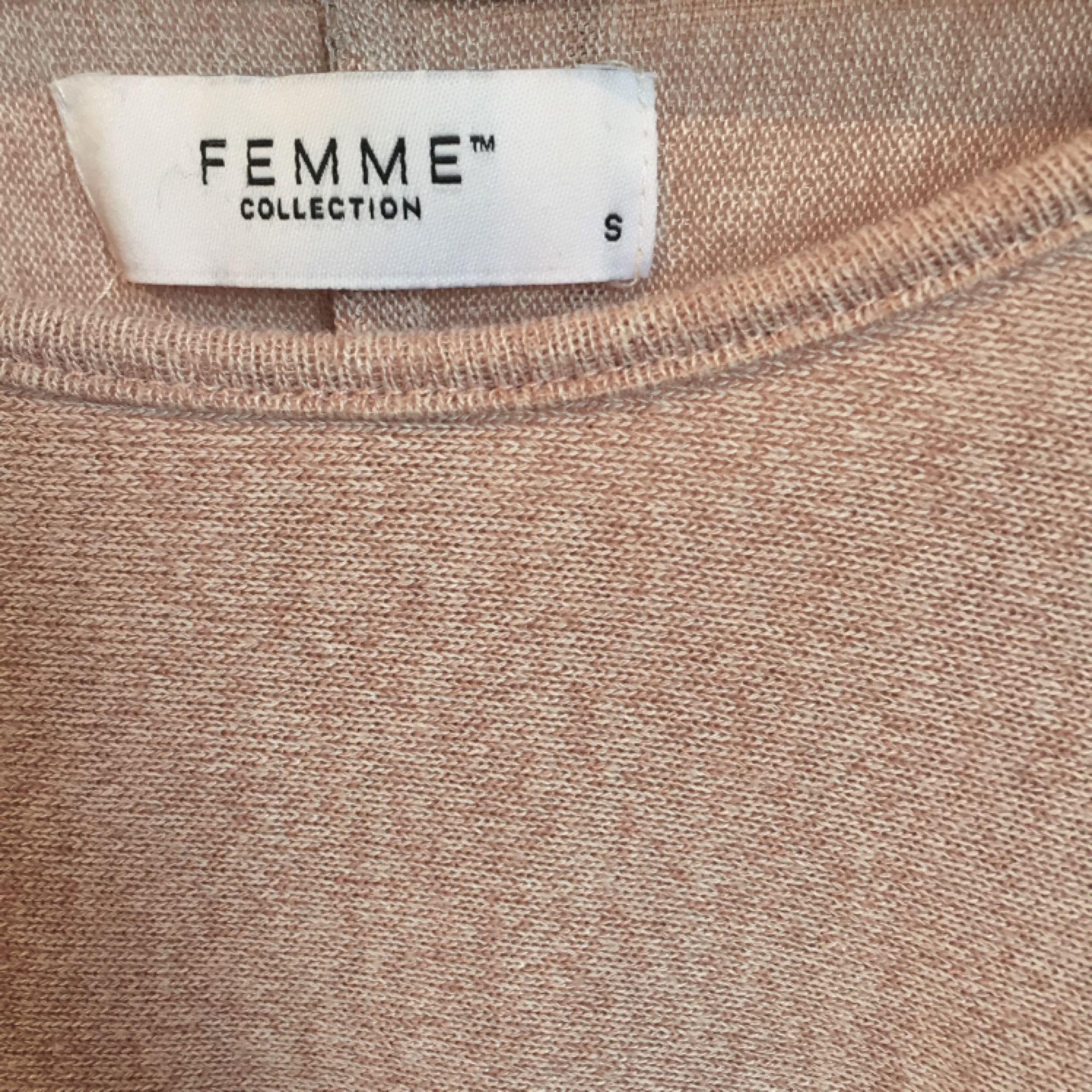 Superskön och fin rosa tröja fr - Toppar - Second Hand ab842e6db77b2
