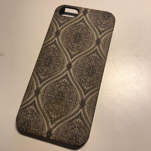 Säljer skal från Malene Birger till iPhone 5. Mycket fint skick. Fri frakt