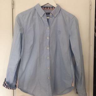 Jättefin skjorta från Gina tricot, endast använd ca 1 gång. Stl 38