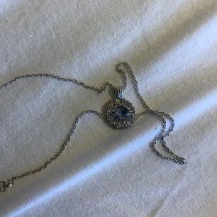Helt oanvänt Lily and rose halsband, orginalpris 295kr. Plombering kvar tom!