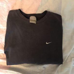 Marinblå Nike tröja