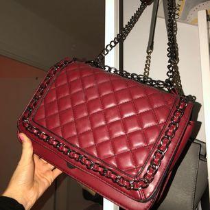 Jätte fin väska från Gina tricot. I super skick!