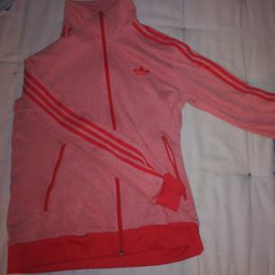 Cool Adidas tröja, bra skick