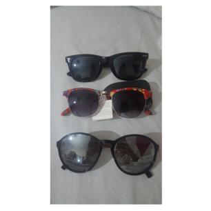 Första bilden är utan blixt, och andra är med blixt.  3 solglasögon, 20kr styck, alternativ alla 3 för 50kr. Frakt tillkommer!