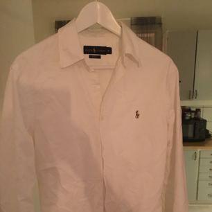 Ralph Lauren skjorta (kille) Strl slim fit , frakt tillkommer