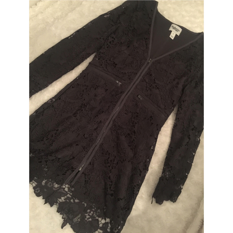 Spetsklänning av Rebecca Stella, använd en gång. Nypris 999:-. Frakten ingår i priset.. Klänningar.
