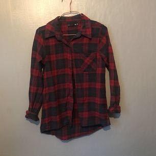 Skjorta från lager 157, använd 1-2 gånger. Alltså knappt använd. Inga avvikelser utan i topp-skick! Org pris 200. Frakt 20kr.