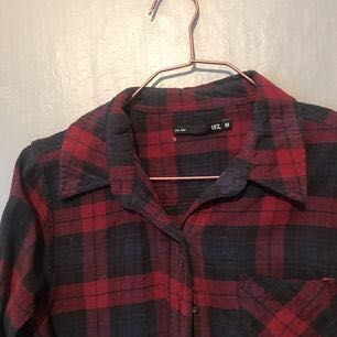 Skjorta från lager 157, använd 1-2 gånger. Alltså knappt använd. Inga avvikelser utan i topp-skick! Org pris 200. Frakt 20kr.. Skjortor.