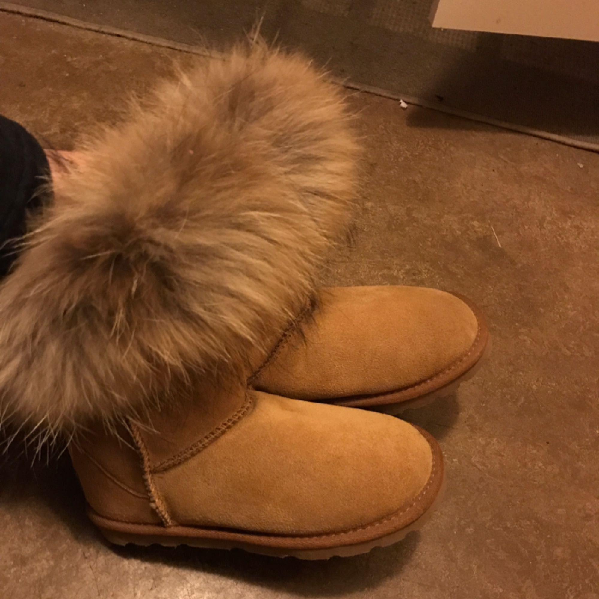6480c07ea99 Väldigt varma och sköna skor perfekt för vintern, dem är helt nya, ...