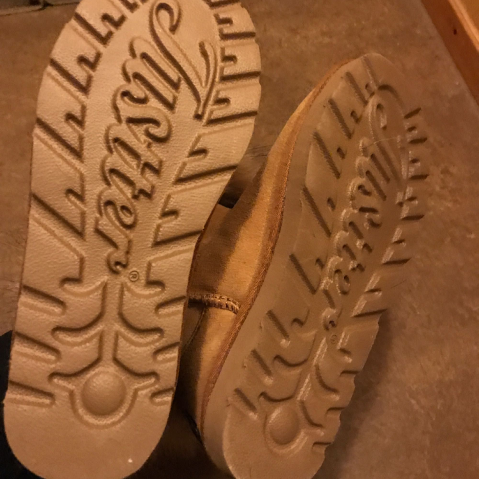 bd8f4971121 ... Väldigt varma och sköna skor perfekt för vintern, dem är helt nya, ...