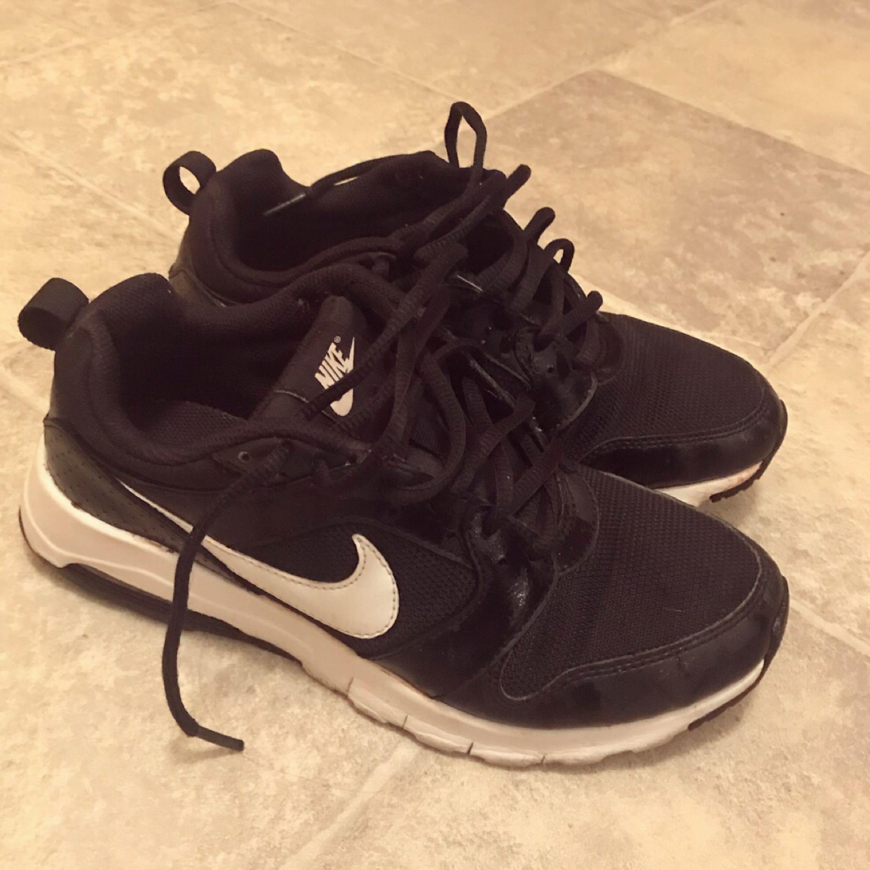 info for ceff2 cb632 Nike, inte så använda så fint skick. Storlek 38 äkta såklart.. Skor Nike ...