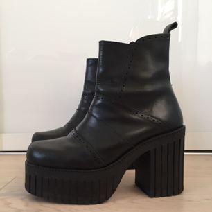 Platform leatherboots size 38