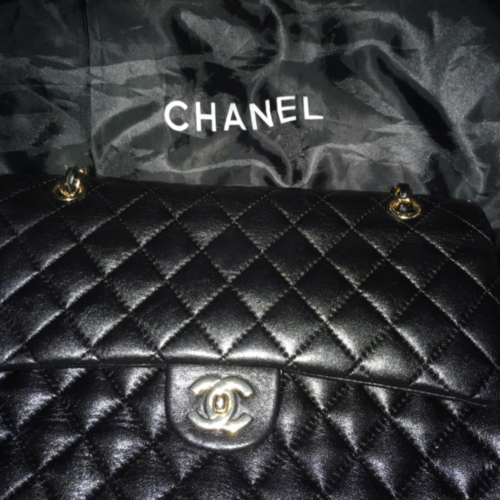 46171e00f0e Chanel taske med dobbelt flig stor, kommer med støvpose o kort, helt ny  købte ...