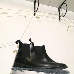 Låga svarta läderskor, herrmodell🔥   FRI FRAKT 🌻