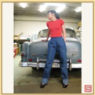 Helt nya 50-tals jeans från Sivletto Rockabilly. Nypris 999 kr  Jag använder mig av Swish, frakt ca 50 kr tillkommer.