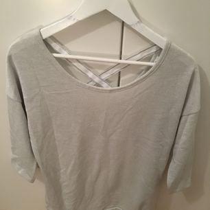 Silver & glitter tröja med band i ryggen - köpt i Spanien!