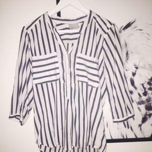 skjorta från veromoda, aldig använd🌸 passar mig som är i S:)