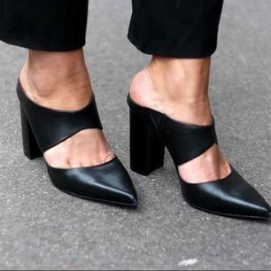 GARDEROBSRENSNING! Palermo heels från twist & tango i gott skick. Äkta skinn som blir snyggare med åren.