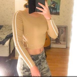 Kendall Jenner for bikbok tröja. Säljs inte mer. Knappt använd!