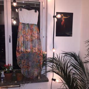 Mönstrad klänning! Eventuell frakt 36kr