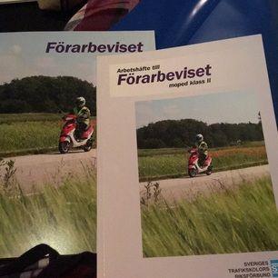 Oerhört sparsamt använda körkortsböcker för moped klass 2