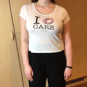 Rolig tröja Vit T-shirt Aldrig använd