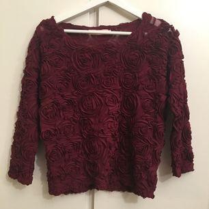 Vinröd AMERICAN APPAREL inspirerad tröja. Fint skick Möts i sthlm, huddinge.