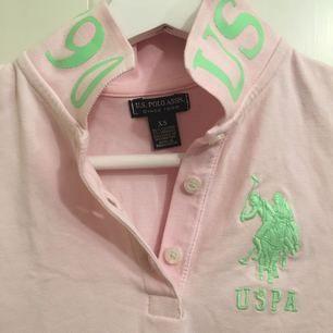 Ljusrosa RL POLO tröja.  Säljer billigt pga garderobrensning.