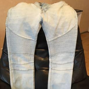 "Nya jeans herr ""33"