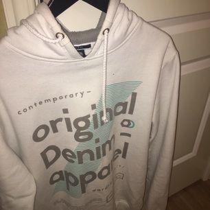 En snygg oversized hoodie, sparsamt använd