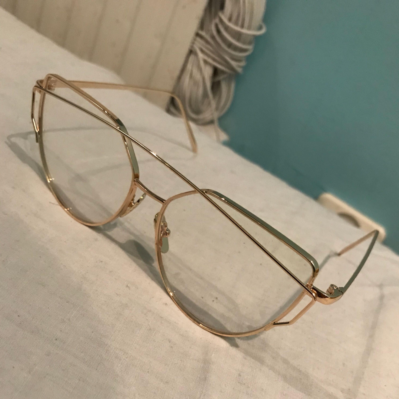... Skit snygga glasögon utan styrka! Köparen står för frakten eller så kan  vi mötas upp b892f601a621f