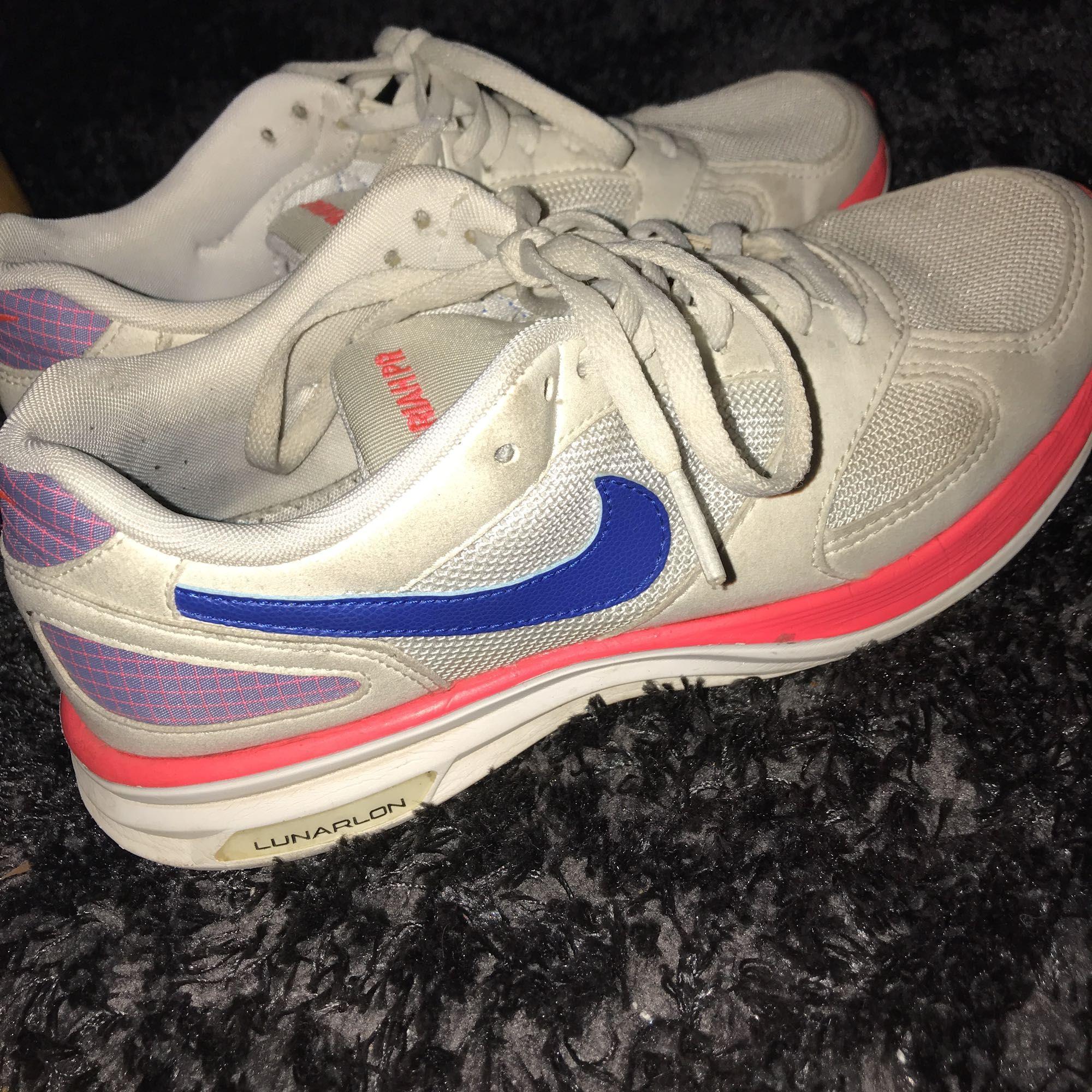 55720a840b8 Unika Skor Hand Nike Coola Second Snygga Och Fr dtqtav