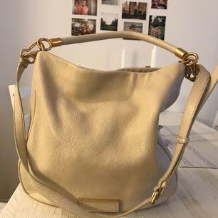 Marc Jacobs väska i nyskick. Nypris 3999 kr, kvitto finns.