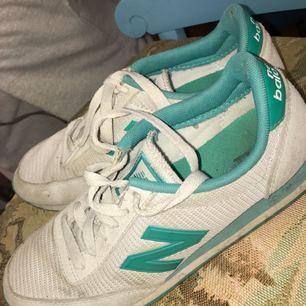 Super snygga och sköna New Balance skor!  Säljer pga använder ej längre!