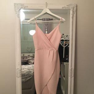 Jättefin klänning, använd en gång✨🎀, ❗️tar bara swish❗️  35kr frakt✔️