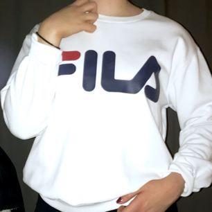 Fett Najs fila tröja som tyvärr inte kommer till användning. Den är helt och ren och för ett fett rimligt pris