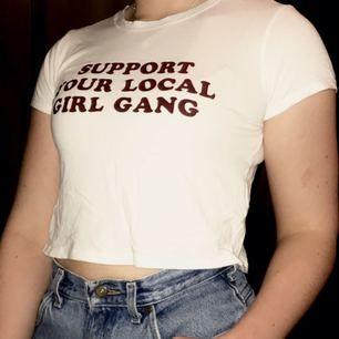 Feministisk tröja med trycket