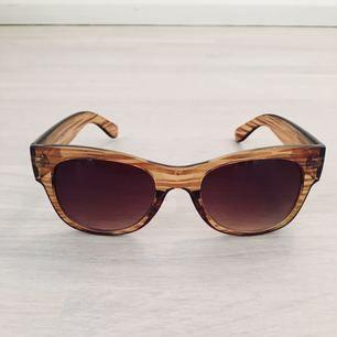 Solglasögon från Accessorize✨ Sparsamt använda!