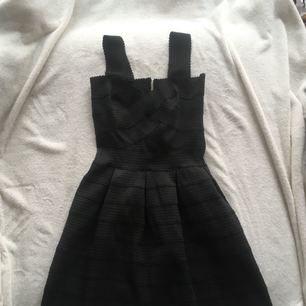 babydoll klänning  använd 1 gång  korsett