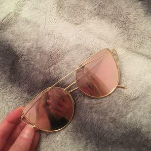 Solglasögon i roseguld✨ 55 ink frakt✔️